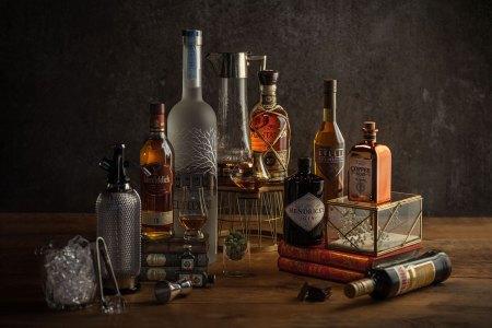 Spirituosen Gastronomie: Im Spirituosen-Sortiment bei Transgourmet finden Gastronomen eine große Auswahl an unverzichtbaren Gin-Klassikern und exotischen Rum-Variationen.