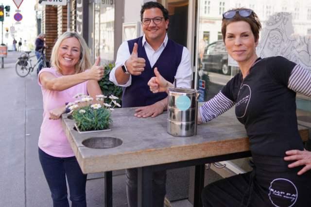 heimische Gastroszene Claudia Gundacker (Gebietsverkaufsleiterin Henkell Freixenet Österreich), Philipp Gattermayer, (Geschäftsführer Henkell Freixenet Österreich), Heidi Mayrhofer (Inhaberin Zuppa)