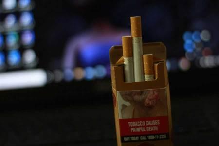 Schnapsidee der EU Auf Zigarettenpackungen kennt man die warnhinweise seit vielen Jahren. Demnächst könnte etwas Ähnliches auch auf Bier-, Wein- und Spirituosenflaschen stehen, wenn es nach dem Willen der EU geht.