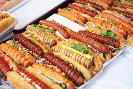 Hot-Dog-Kette sucht Franchisepartner Die Kette mit dem nicht ganz logischen Namen Wienerschnitzel will ihre Hot-Dogs künftig auch in Mitteleuropa anbieten und sucht dafür Partner.