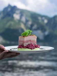 Kröswang Tierwohl und Regionalität Das neue Schweinefleisch-Sortiment von Kröswang will einen Mehrwert für Tiere, Gastronomen und Gäste bieten.