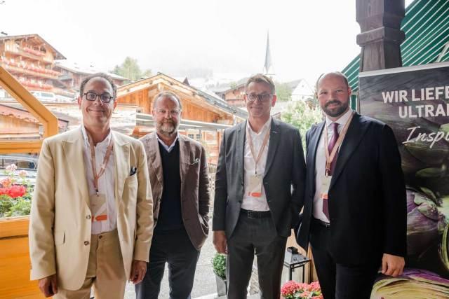 Richtlinien Winter Tourismus Xavier Plotitza, Sepp Schellhorn, Josef Pirker und Anton Gustav Birnbaum (v. l.) diskutierten beim Forum Alpbach über die Herausforderungen innerhalb der Branche nach Corona.