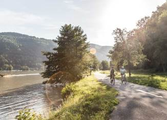 gemeinsame Radausflüge Der Klassiker aller Radwege: Der Donauradweg. Foto: Oberösterreich Tourismus GmbH