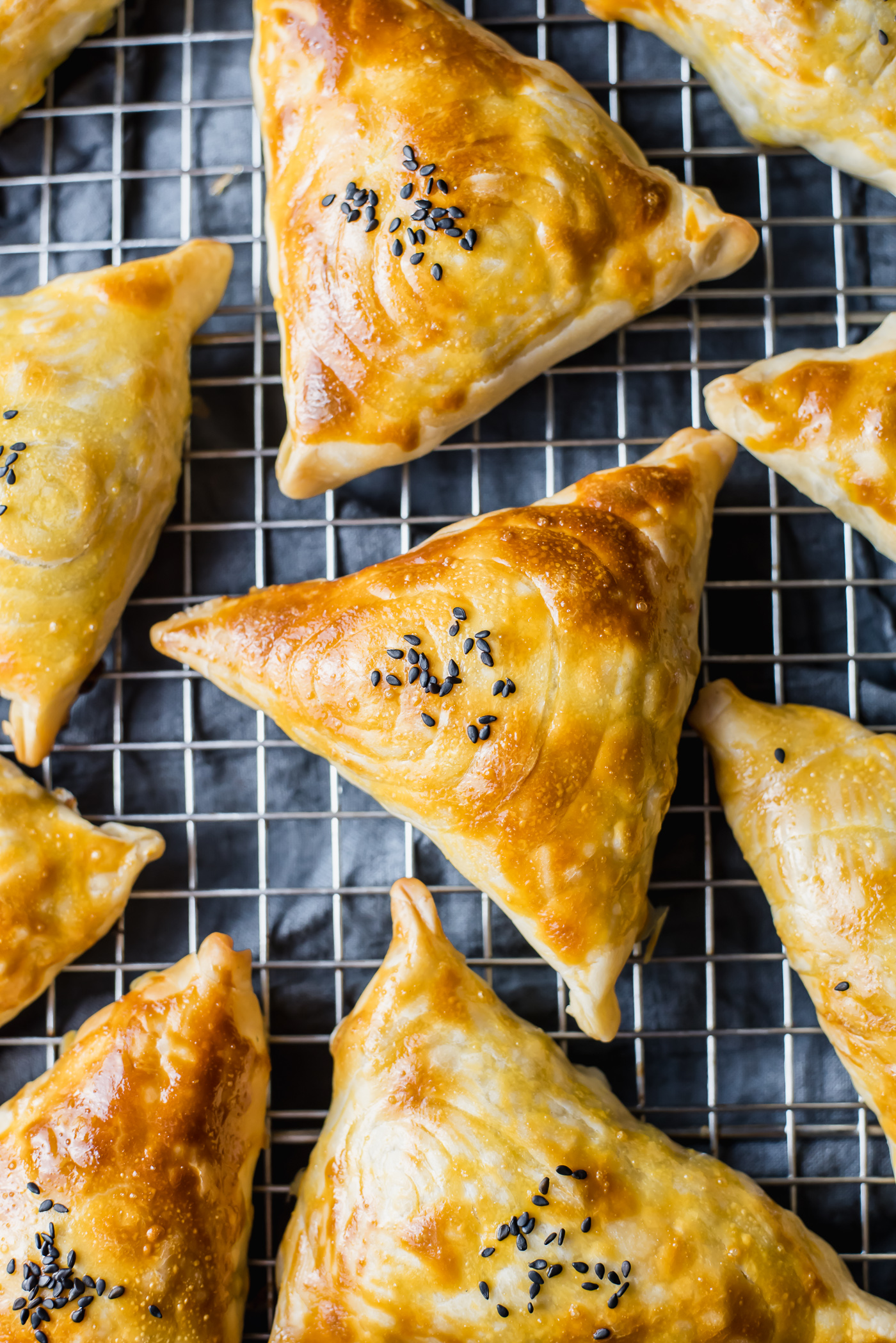 The best recipe for samsa. Recipe for samsa puff pastry with a photo 18