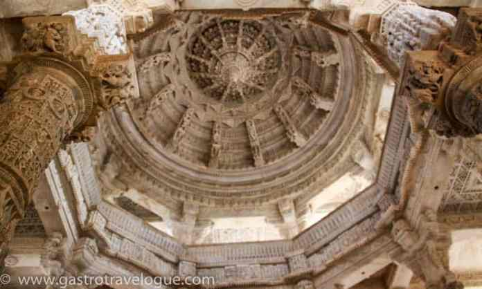 INSIDE THE DOME OF THE JAIN TEMPLE AT RANAKPUR