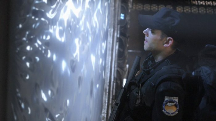 1st Lt. Matthew Scott (Brian J. Smith) about to go through the Stargate
