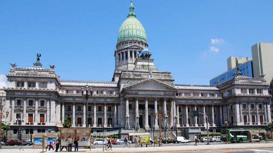 crisi argentina mercato legge emergenza economica