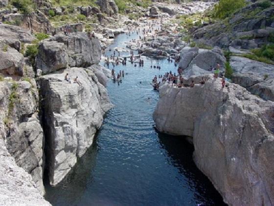 rio mina clavero cordoba argentina 7 meraviglie naturali