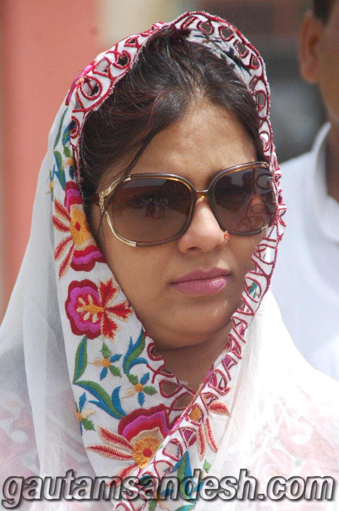 सपा के पैड पर फात्मा रजा ने की गौतम संदेश की शिकायत