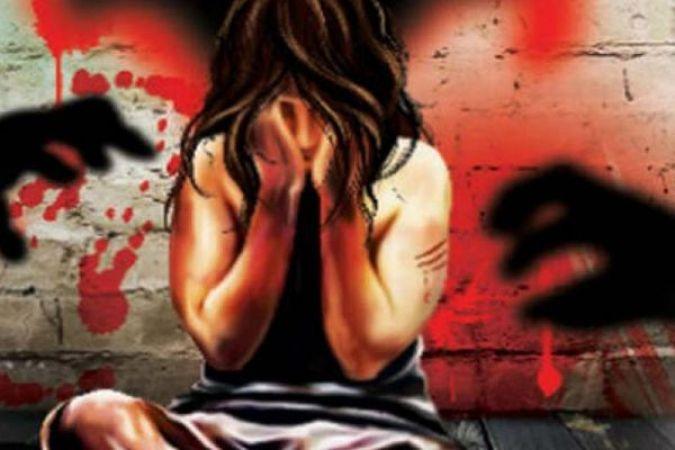 घर में बंधक बना कर किशोरी का यौन शोषण, नामजद मुकदमा दर्ज