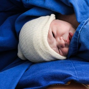 בדיקת מפרקי הירך של התינוק