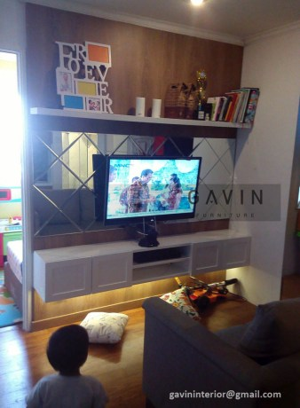 Backdrop TV minimalis HPL