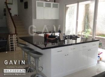 model kitchen set minimalis dengan meja minibar