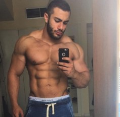 arabe-muscle-torse-nuop85ocqIzw1ue9kf0o1_500