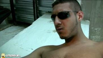 Algérien TBM se fait pomper le dart dans les caves de la cité