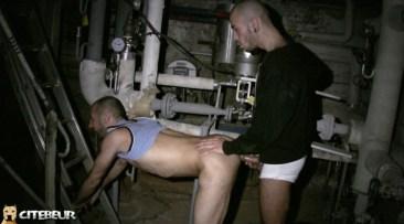 cruising gay dans les caves 3