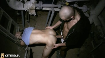 cruising gay dans les caves 6