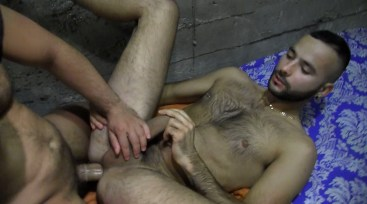 black muscler baise en double pote gay