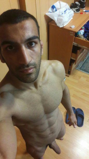pectoraux-homme-arabe-opy6mmX7Km1v44zzao5_1280