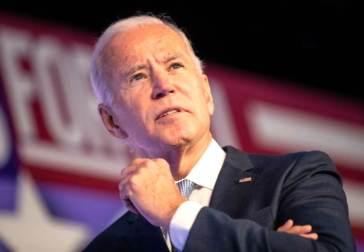 """Joe Biden fa la Storia: """"i diritti transgender sono diritti umani, unitevi a me per dar loro dignità"""""""