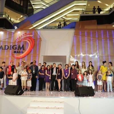 Paradigm Mall Gala Night - Group Photo with WCT Members, 25 May 12