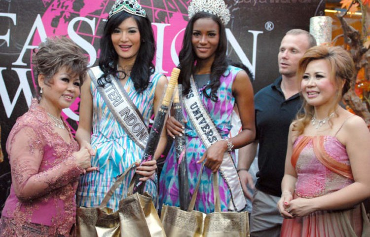 Fashion World – the shopping icon of Bandung