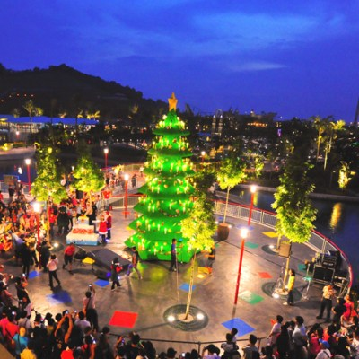 Asia's tallest LEGO Christmas tree at LEGOLAND Malaysia