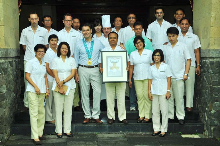 Intercontinental Bali Resort Received an Emerald Medal and Award from Tri Hita Karana
