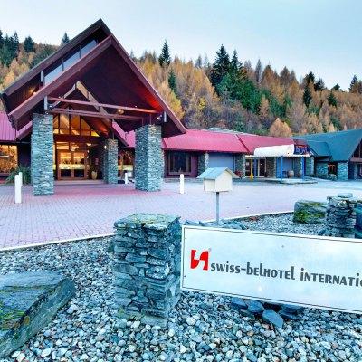 Swiss-Belresort Coronet Peak offers families the opportunity to explore the adventure activities of Queenstown.