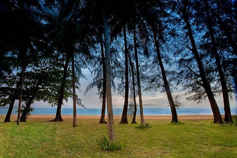 Manathai Khao Lak is located along the unspoiled coastline of the Andaman Sea.