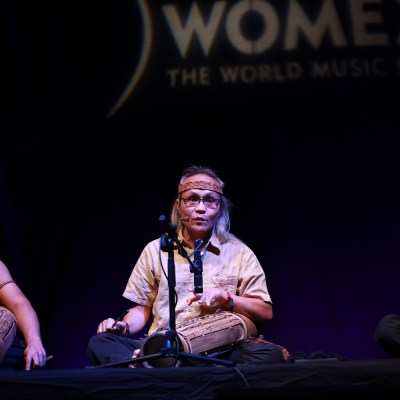The Madeeh ensemble who plays Bidayuh roots music from the upper Padawan region of Sarawak, performed on a daycase Stage at the Cidade da Cultura within the exposition area.