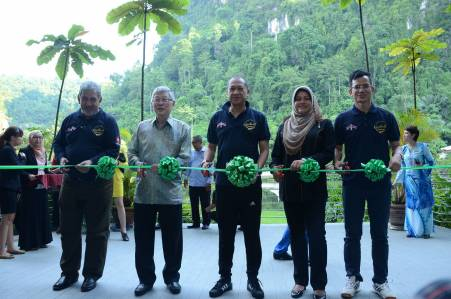 Minister of Tourism & Culture Malaysia officiating the launch