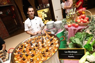 La Bodega with their giant seafood Paella at Pavilion Kuala Lumpur's launch of Journey of Taste.