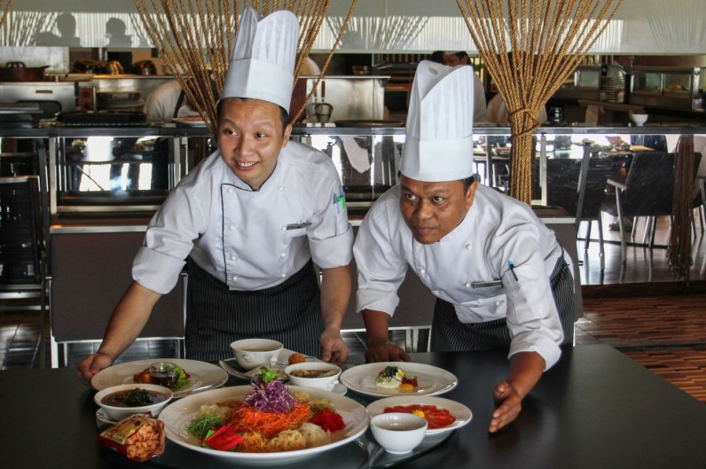 Chef Mak (Left) & Chef Kamal (Right) are the man behind the incredible dishes.