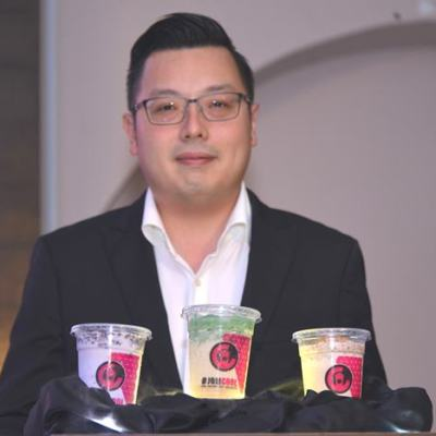 Keith Loh, CEO of CoolBlog with the three new drinks from the new menu, Rasa Rasa Malaysia. They are: Coco Yam Pulut Hitam Smoothie, Cendol Durian Smoothie, and Coco Kacang Coklat Smoothie.
