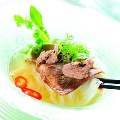 Pho (Vietnamese beef noddles soup)