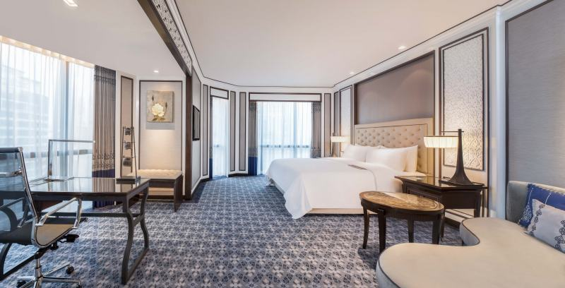 Royal Club Prestige_King Bed_The Athenee Hotel a Luxury Collection Hotel, Bangkok