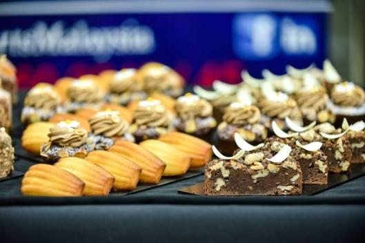 Madeleine & Travel Cake