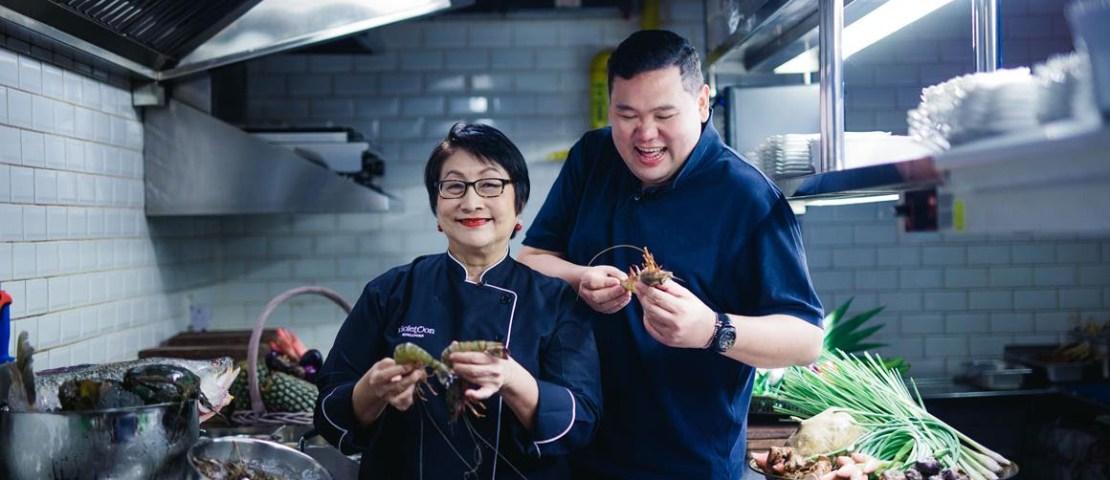 Where Foodies Meet: Foodie Giant Benjamin Yong savouring Singapore Stories