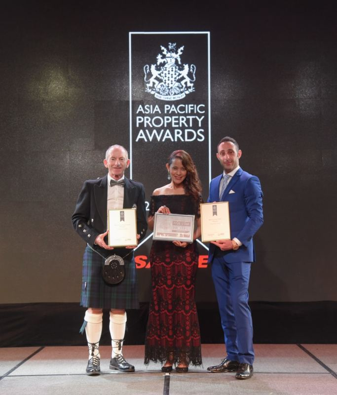 One World Hotel Scoops Two Prestigious Awards At  The Asia Pacific Hotel Awards 2018-2019