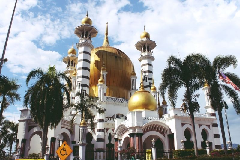 Ubudiah Royal Mosque is one of the country's most beautiful mosques located in Perak.