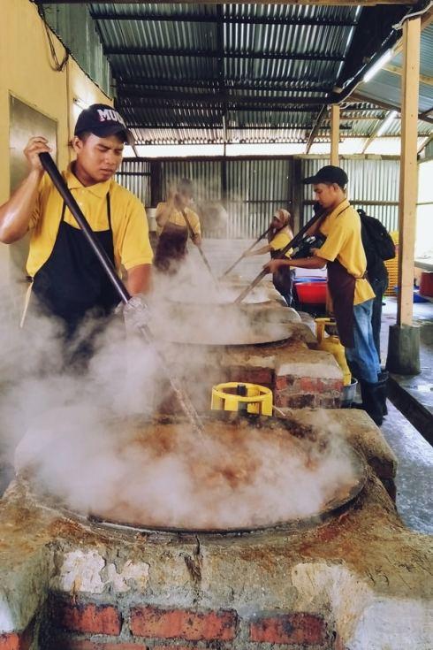 The making of Rendang Tok Mak Nik