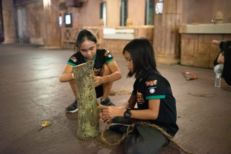 The Wildlife Heroes prepared the enrichment items for the animals at Sunway Lagoon and Sunway Lost World Of Tambun using recyclable materials.