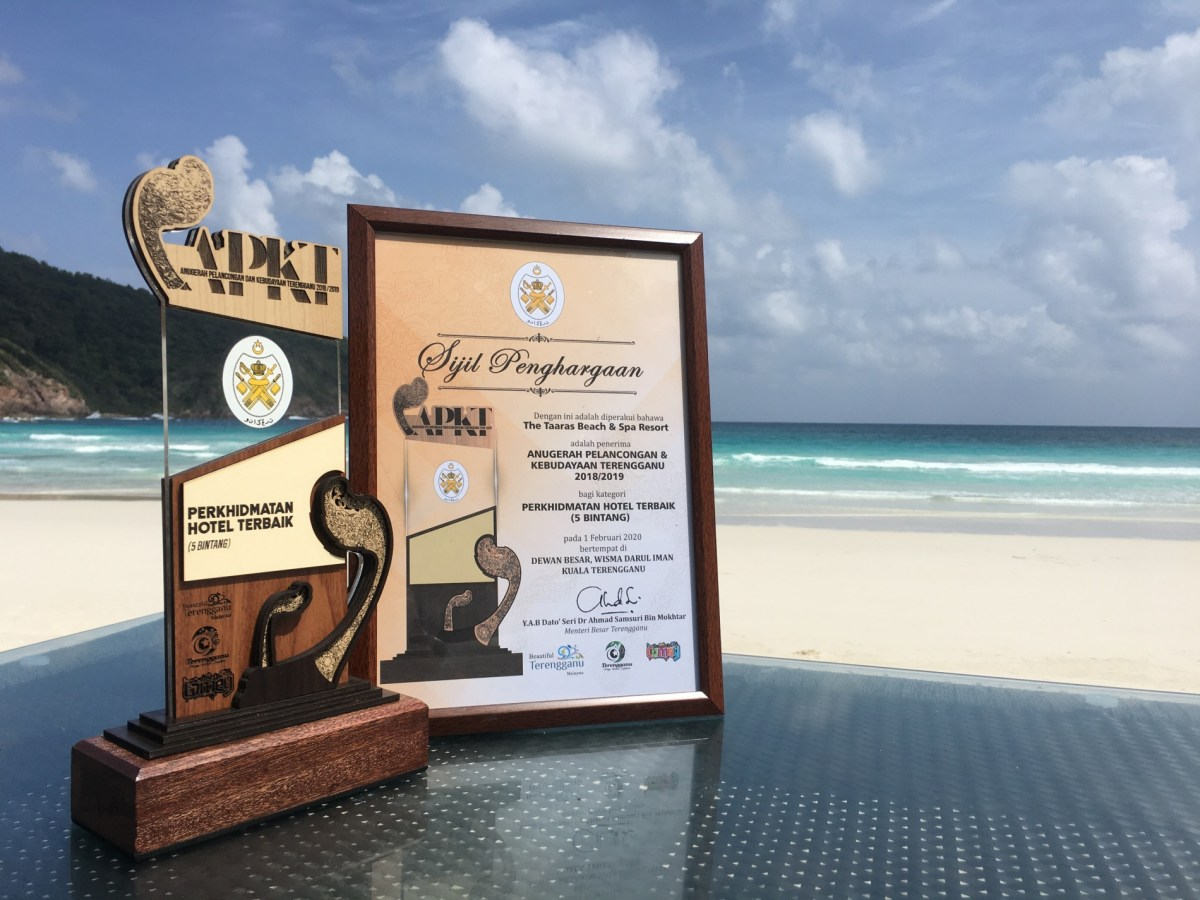 The Taaras Beach & Spa Resort wins Best 5-Star Hotel Award at the Terengganu Tourism and Cultural Awards 2018/2019