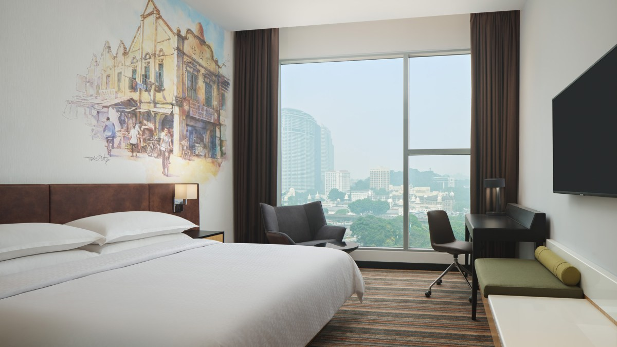 Four Points by Sheraton Kuala Lumpur Chinatown - King Deluxe Room