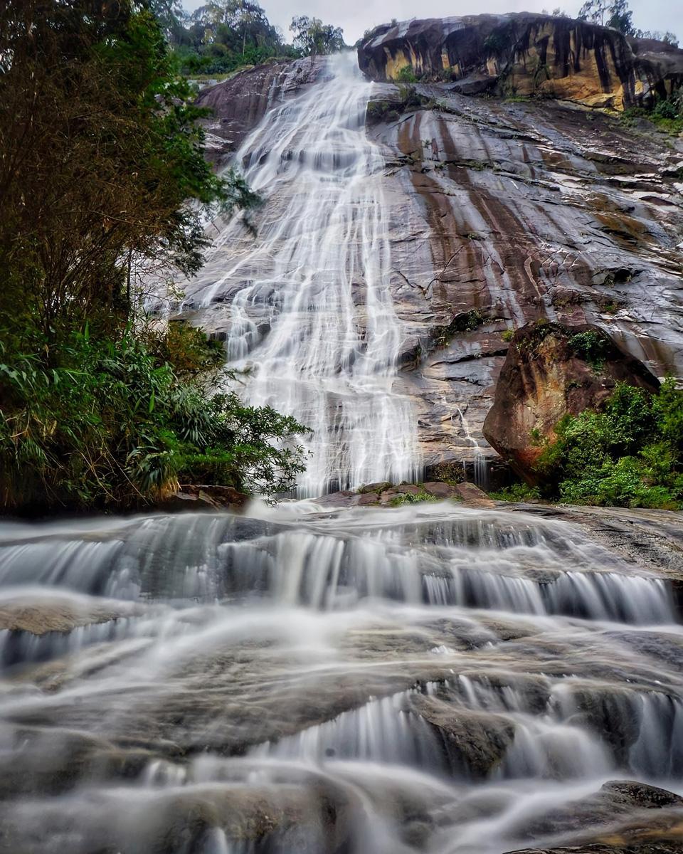 Jelawang Waterfall in Kelantan (Photo © @pertualangan_senja at Instagram)