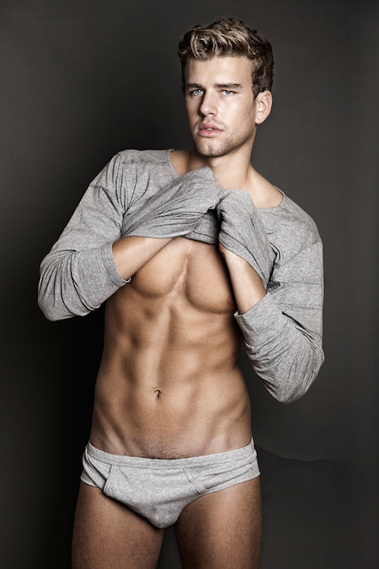 Corentin Grusson - Tight Abs