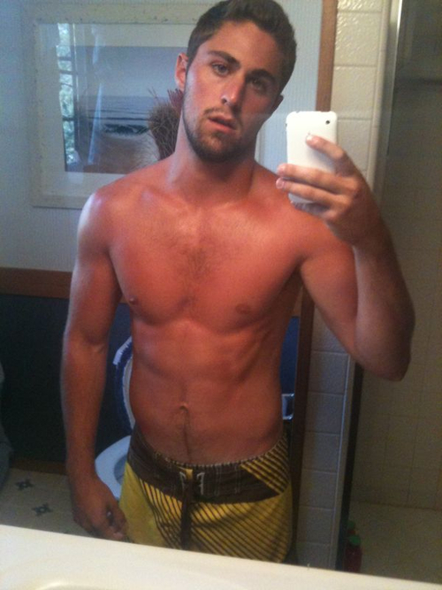 Hot guy self pic