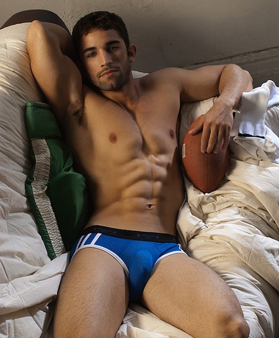 Undies muscled guy suck