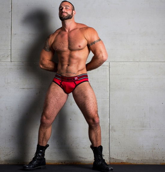 Spencer Reed Goes Mainstream For Timoteo (6)